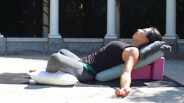 7 Gentle Poses to Explore for a Happy Pregnancy