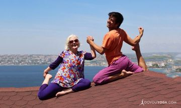 How Yoga Helps You Age Gracefully