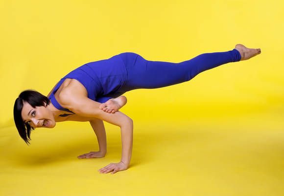 Do Your Wrists Hurt When You Do Yoga? Here Are 3 Easy Exercises That Will Help