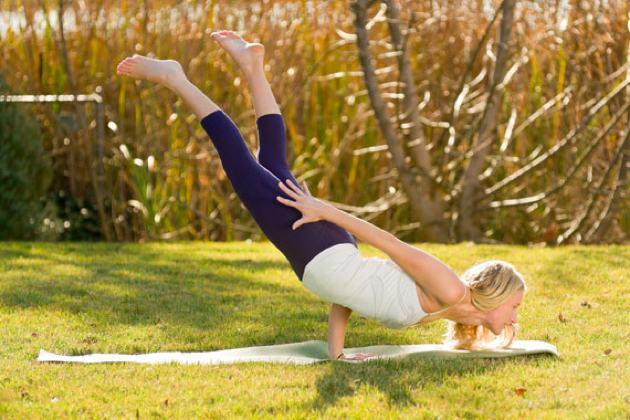 10 Insane Yoga Poses You Wish You Could Strike   DOYOUYOGA