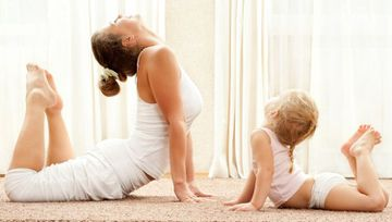 Why You Should Teach Your Kids Yoga (And How To Do It)