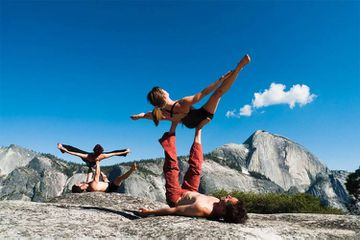 The Yogi Provocateur's 4-Step Guide To Life (+ Another AcroYoga Training Video)