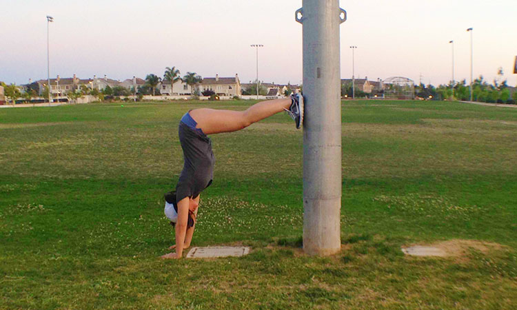 How To Do L-Shaped Handstand