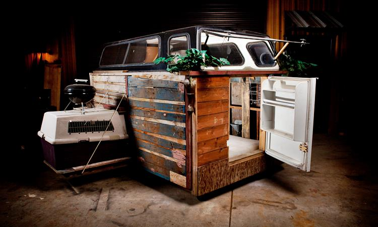 This Man Turns Trash Into Homes for the Homeless