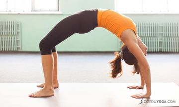 4 Reasons Practicing Yoga at Home Is the Bomb