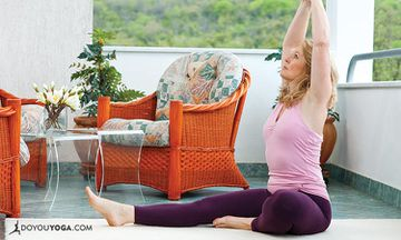 10 Steps To Have A Yoga Retreat At Home