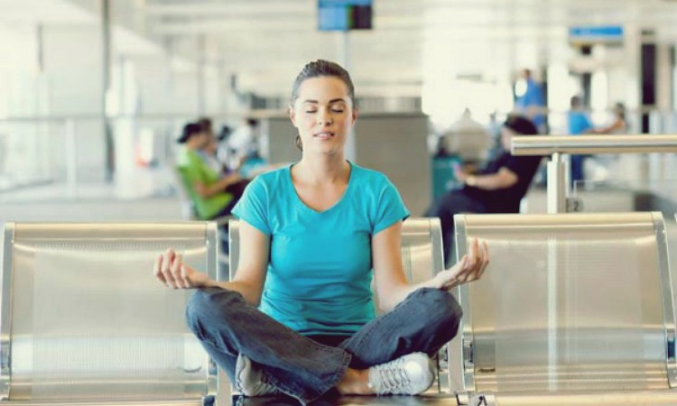 5 Yoga Poses For Long Layovers1