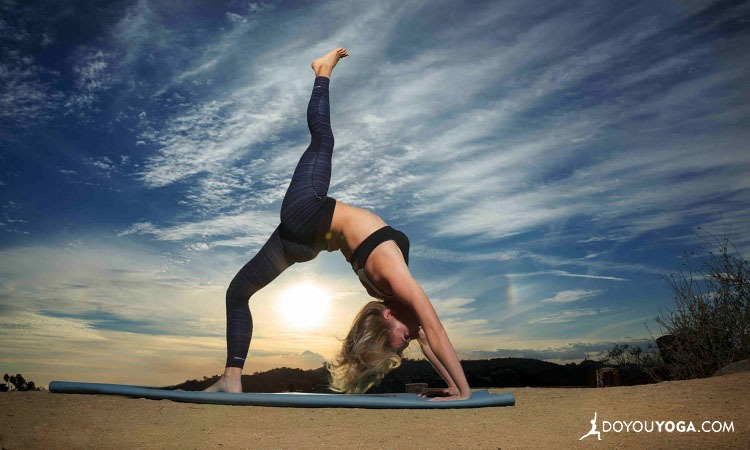 8 Boot Camp Yoga Poses For Kick Ass Confidence, Energy & Endurance