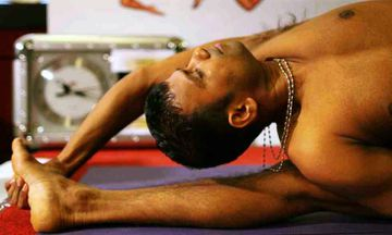 'King of Yoga' Attempts to Break His Record in 40-Hour Asana Marathon