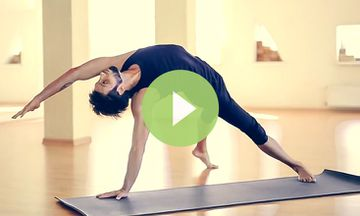 Incredible Demonstration of Third Series Ashtanga Yoga (VIDEO)