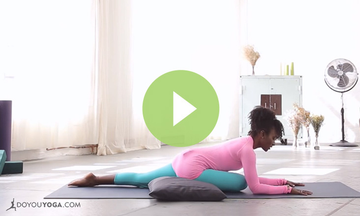 Meditation and Restorative Yoga for the Hips (VIDEO)