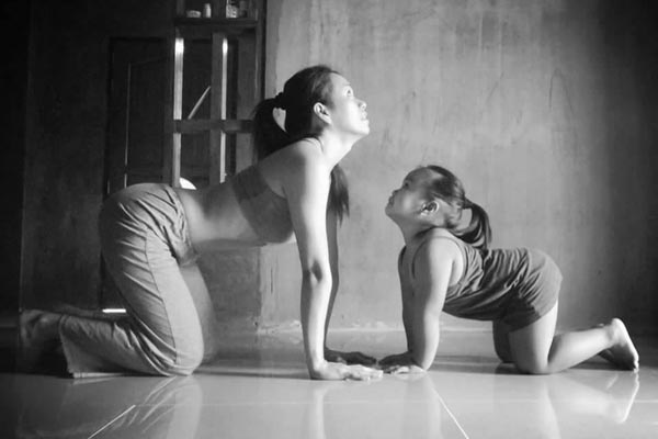 Mom Kids Yoga, Jhen Cat