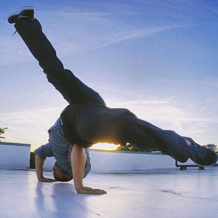 6 Jaw Dropping Yogi Men To Follow On Instagram