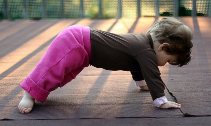 12 adorable babies doing yoga