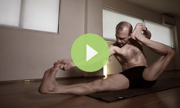 Just Practice Ashtanga Yoga: An Inspiring Asana Demo (VIDEO)