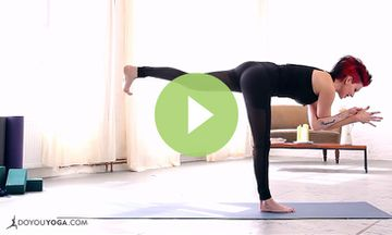 Full Body Yoga Cleanse with Sadie Nardini (VIDEO)