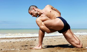 What Do Men Wear To Yoga?