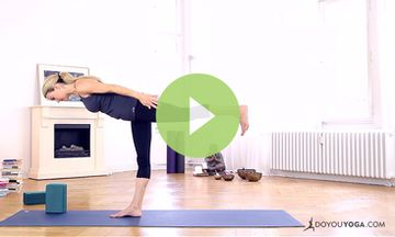 Yoga Poses for Balancing with Kristin McGee (VIDEO)