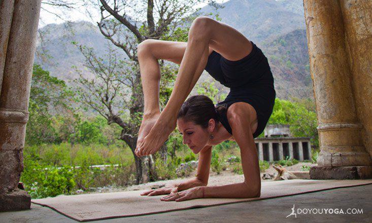 e42d55c62419b 11 Yoga Poses to Prepare for Scorpion Pose | DOYOUYOGA