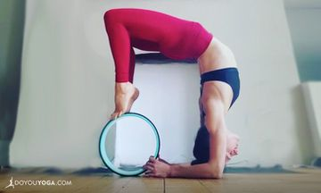 12 Ways to Use a Yoga Wheel