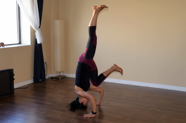 Crow-to-Headstand Balance Lifts
